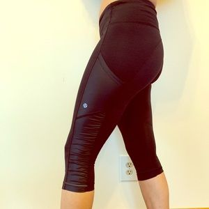 Size 6 Lululemon cropped running tights